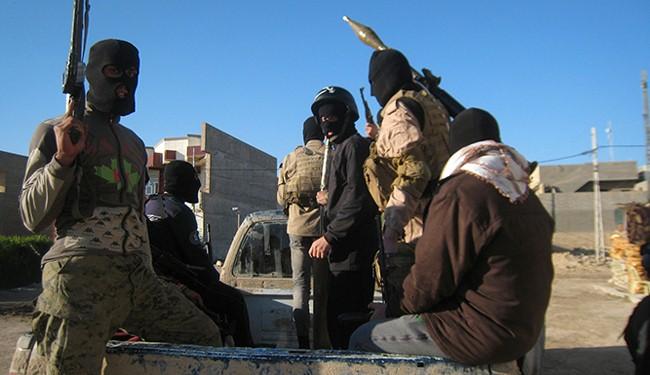 Photo of ISIL terrorists return to Yarmouk, abuse Palestinians