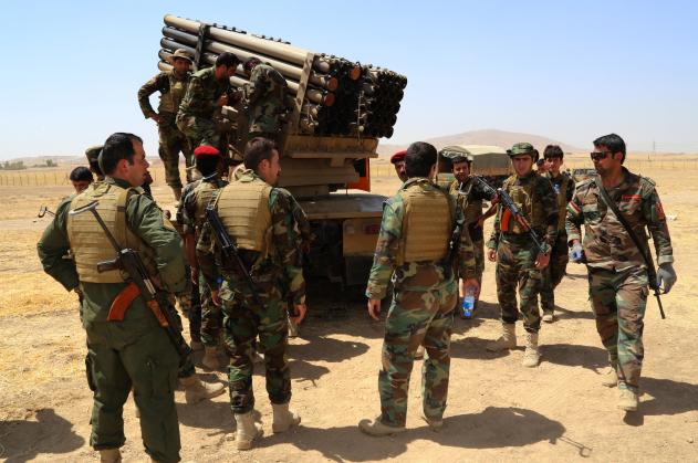 Photo of ISIL, Kurds clash heavily near Turkish border