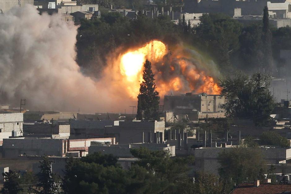 Photo of Kurds Halt 'ISIL' Thrust into Heart of Syria's Kobane
