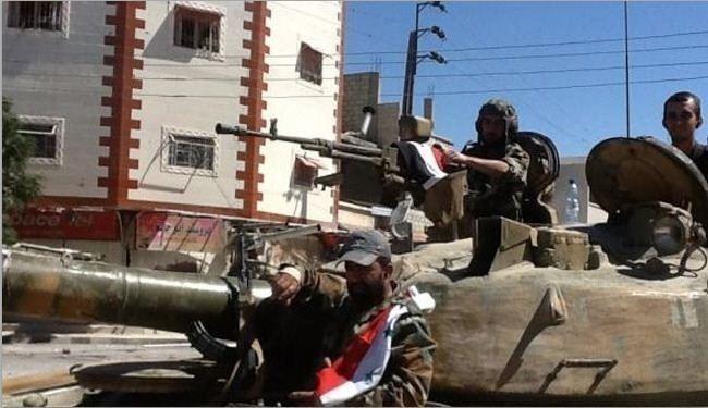Photo of Syrian Army Attacks ISIS Position in Deir Ezzor Neighborhood