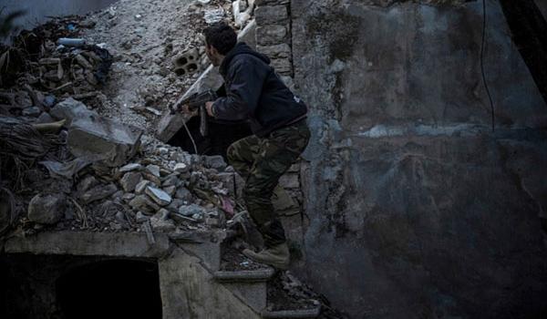 Photo of Hezbollah, Syrian Army Hit al-Nusra Centers Hard at Lebanon-Syria Border
