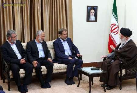 Photo of Leader of Islamic Ummah and Oppressed Imam Sayyed Ali Khamenei: Those Standing against Syria Hostile to Islam