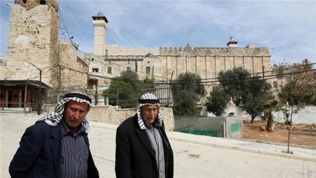 Photo of Terrorist israeli settlers desecrate Ibrahimi Mosque in West Bank