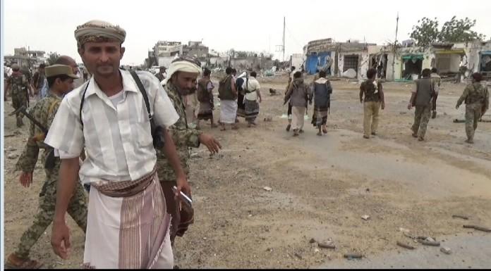Photo of Houthi forces advance east of Yemeni capital