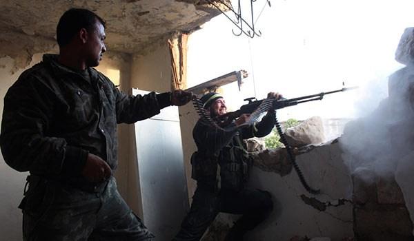 Photo of Aleppo: Heavy Infighting Erupts between Terrorist Hardliners, Fleeing Militants