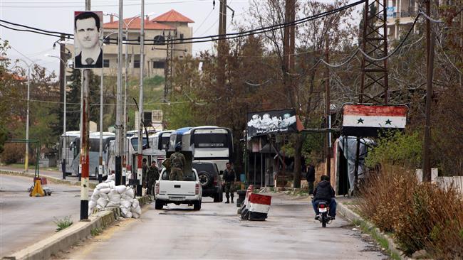 Photo of Civilians, militants begin evacuating 4 Syria towns