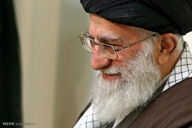 Photo of Leader of Islamic Ummah and Oppressed Imam Khamenei pardons convicts on Prophet's(pbuh) birth anniversary