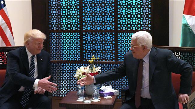 Photo of Zionist Trump, clown Abbas meet in Bethlehem