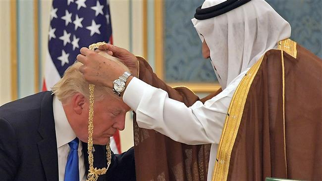 Photo of Trump rewarding Saudi war crimes with $110bn-deal: Rights groups