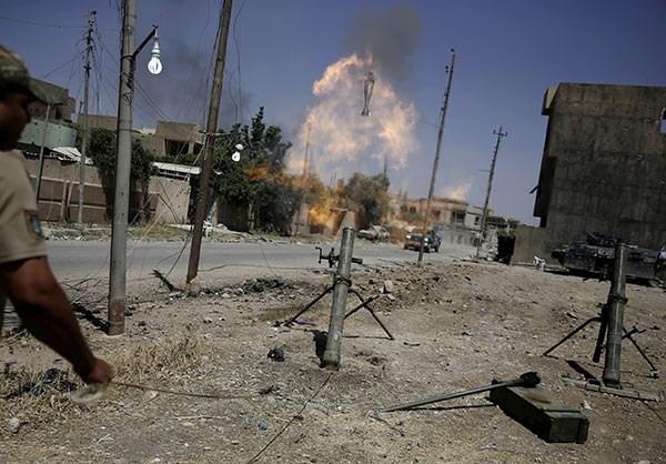 Photo of Iraqi Forces Gain Ground in Key Neighborhood of Zanjili in Mosul