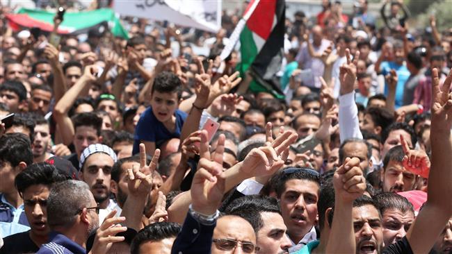 Photo of Jordanian mourners urge Amman to close Israeli embassy