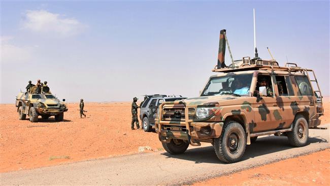 Photo of Syrian army, allies 3 kilometers away from besieged Dayr al-Zawr enclave