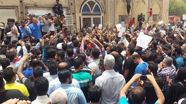 Photo of Iran's Khorramshahr calm after violent protests
