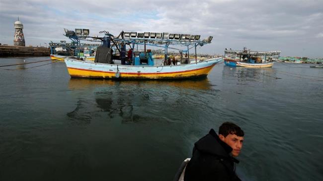 Photo of Zionist Israeli forces shoot at Palestinian fishermen off Gaza, arrest 5