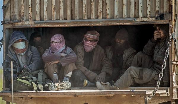 Photo of Several Senior ISIL Commanders Riot against Al-Baghdadi in Eastern Syria